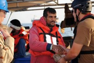 نجات ملوانان ایرانی توسط کشتی نظامی آمریکا