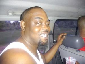 کریستوفر تامسون، 35 ساله که در روز 24 ژانویه در آرایشگاه محل کارش قربانی تیراندازی شد